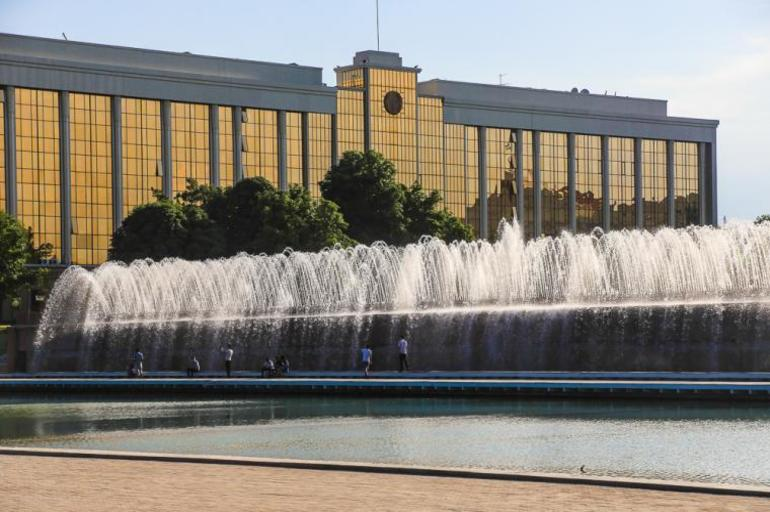 Toshkent shahridagi maktablar faoliyatini yaxshilash hamda Prezident topshiriqlari ijrosini ta'minlash bo'yicha Vazirlar Mahkamasining qarori