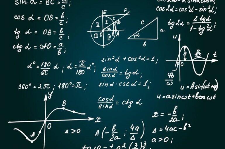 maktablarda matematika, kimyo va biologiya fanlari chuqurroq o'rgatiladi