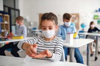 Ekspertlar o'quvchilarda koronavirus yuqtirish ehtimoli kamligini aytishmoqda
