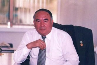 Erkin Vohidov haqida ma'lumot