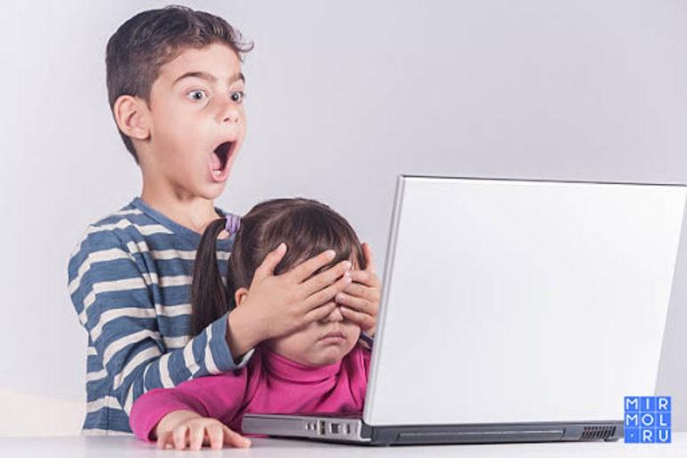 Угрожающий интернет - в российских школах запретят доступ к «негативному» контенту по Wi-Fi